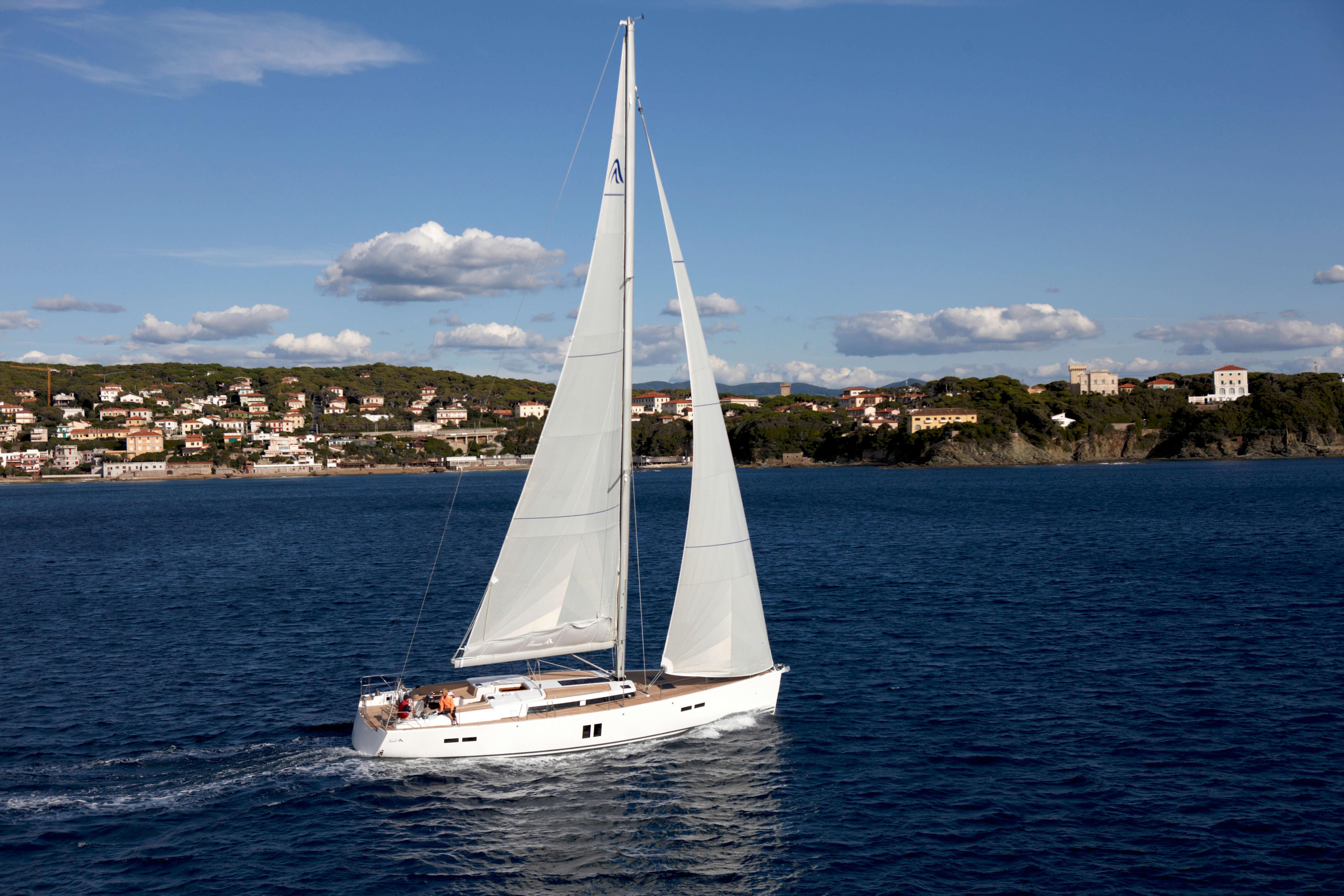 Hanse 545 Exterior Sailing   Hanse