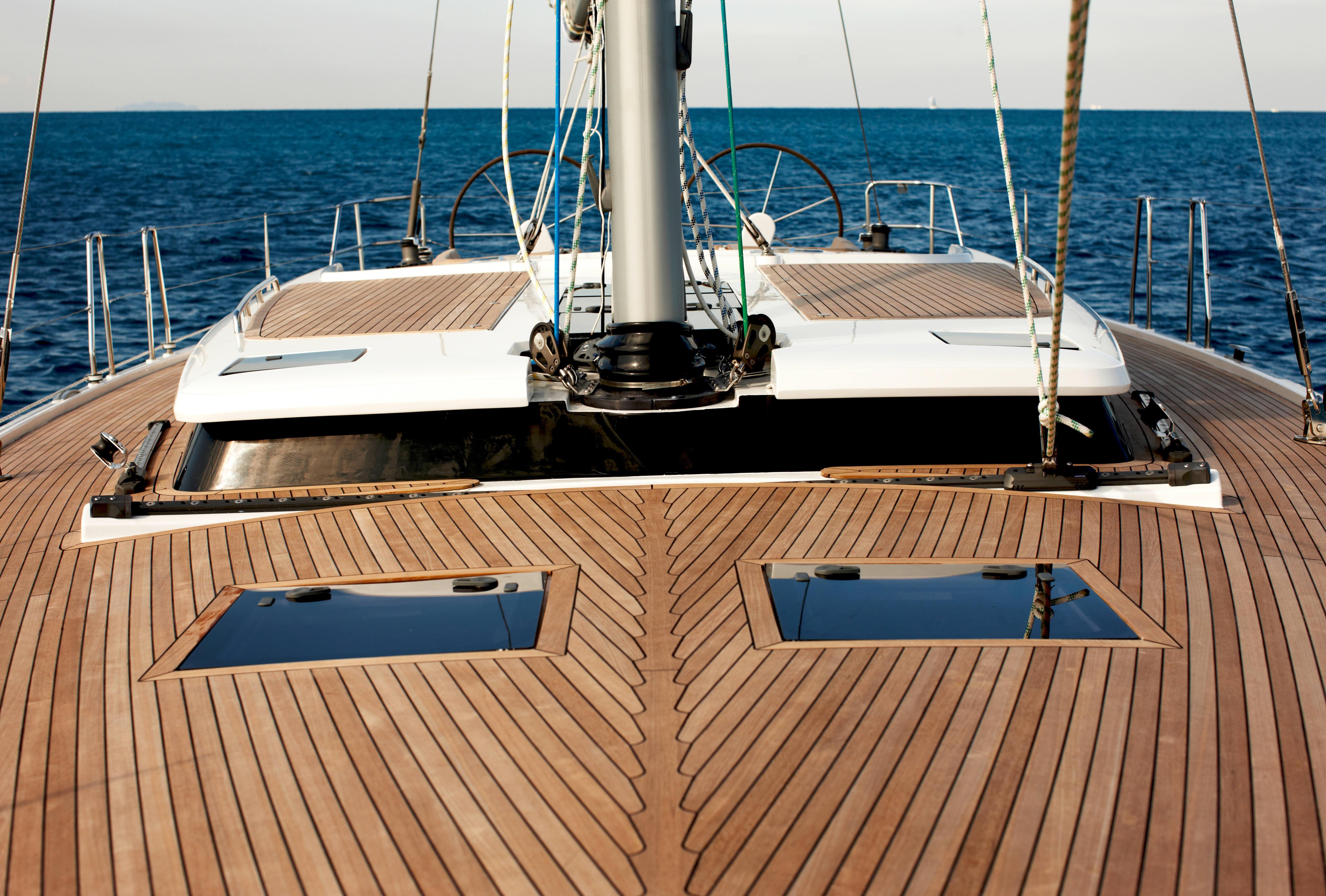 Hanse 545 Exterior at anchor   Hanse
