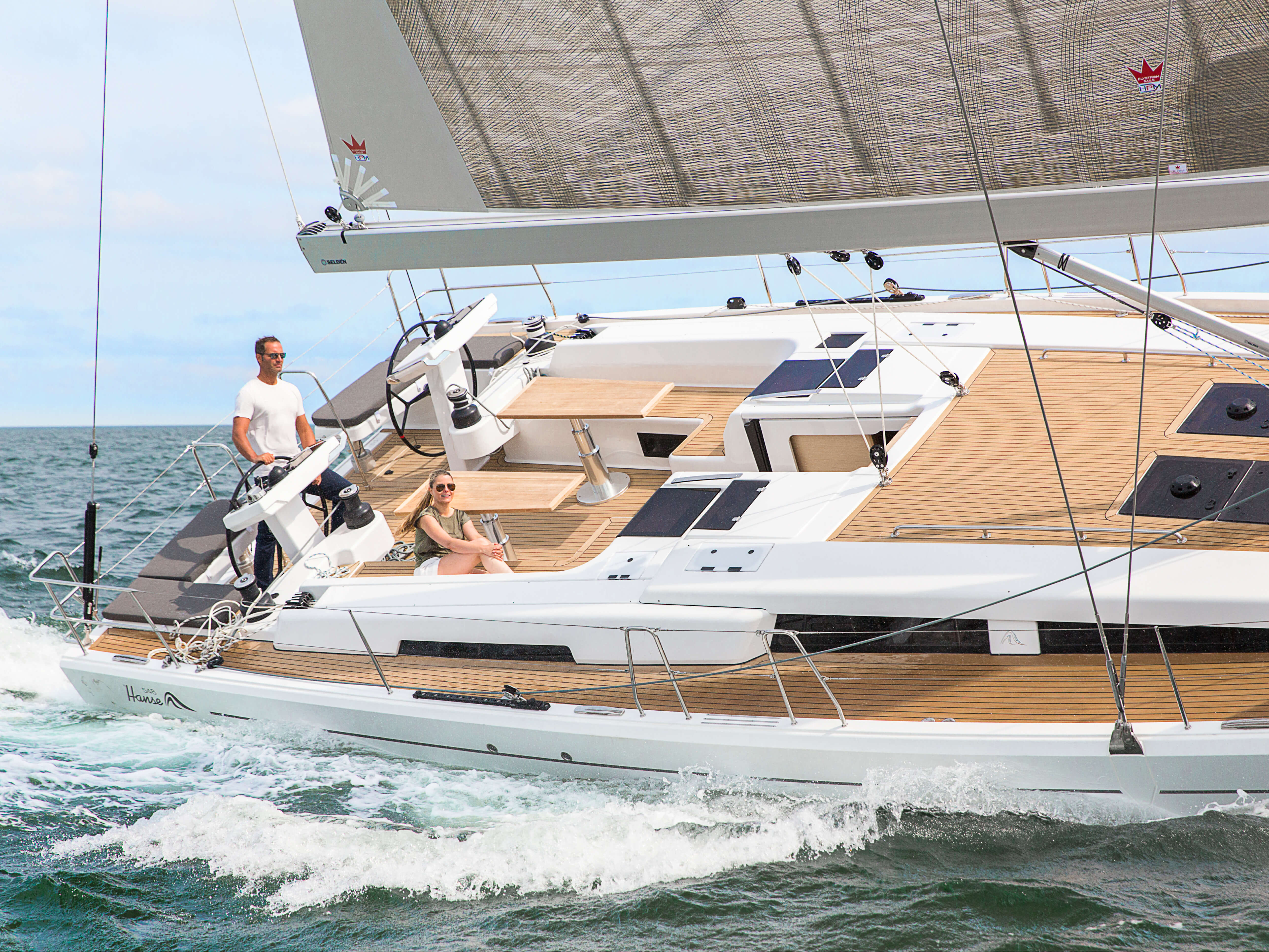 Hanse 548 | HANSE yachts amaze with their modern, functional design. Unique, puristic elegance meets exceptional performance from the pen of judel/vrolijk & co, the world's best and most experienced yacht designers. | Hanse