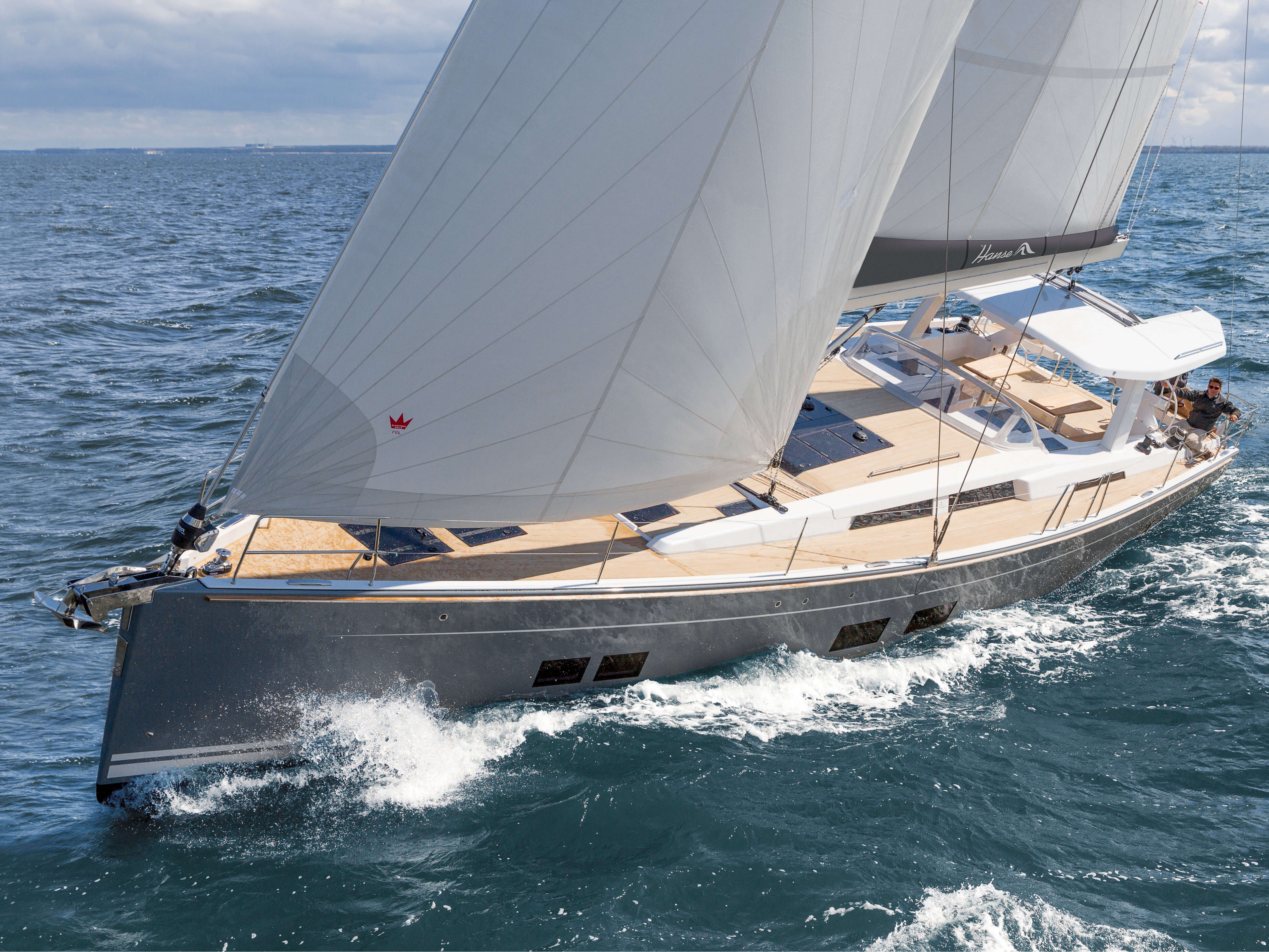 Hanse 588 | HANSE yachts amaze with their modern, functional design. Unique, puristic elegance meets exceptional performance from the pen of judel/vrolijk & co, the world's best and most experienced yacht designers. | Hanse