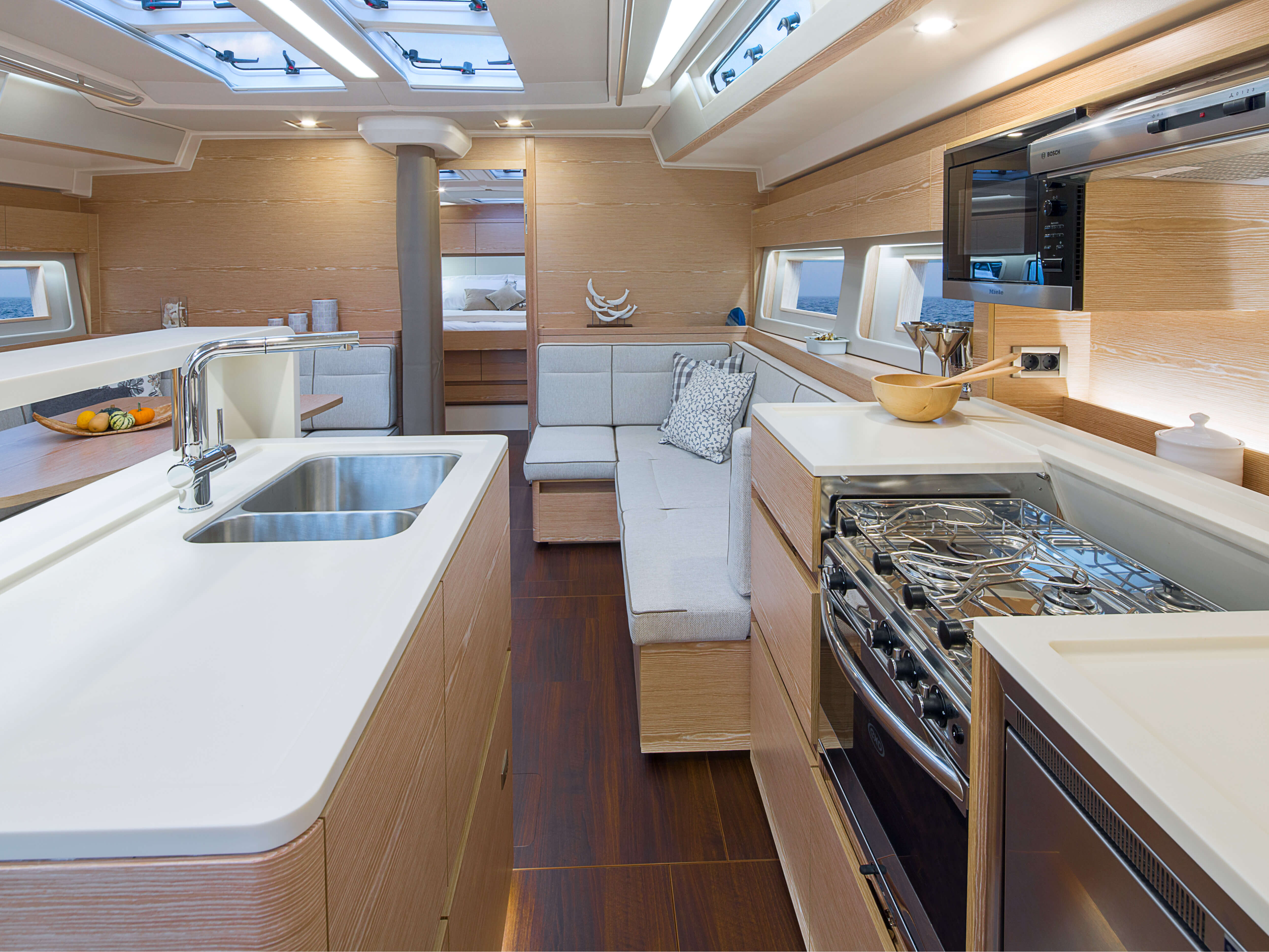 Hanse 588 | pantry, lounge area, owner´s cabin | Hanse