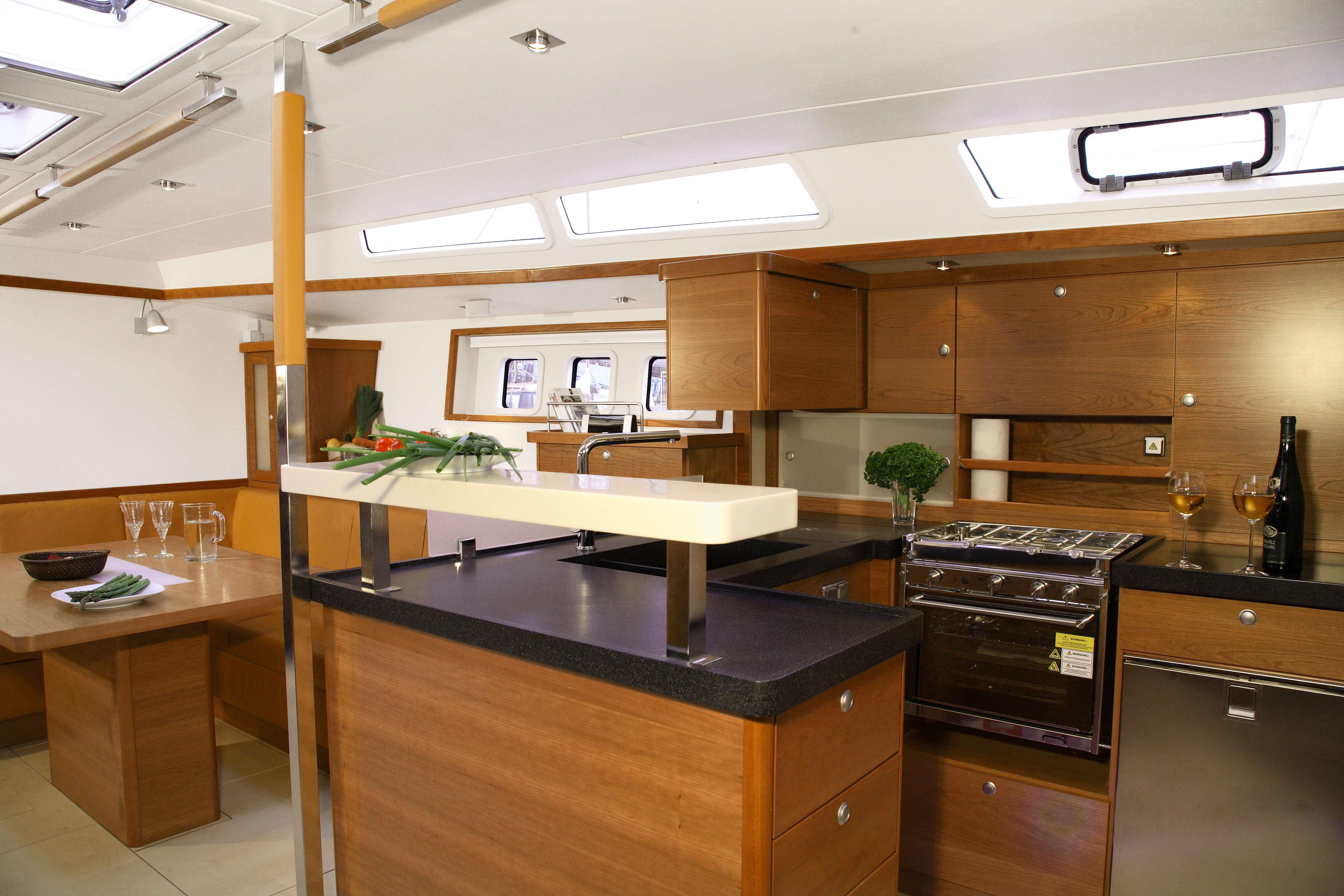 Hanse 630e Interior view pantry | Hanse