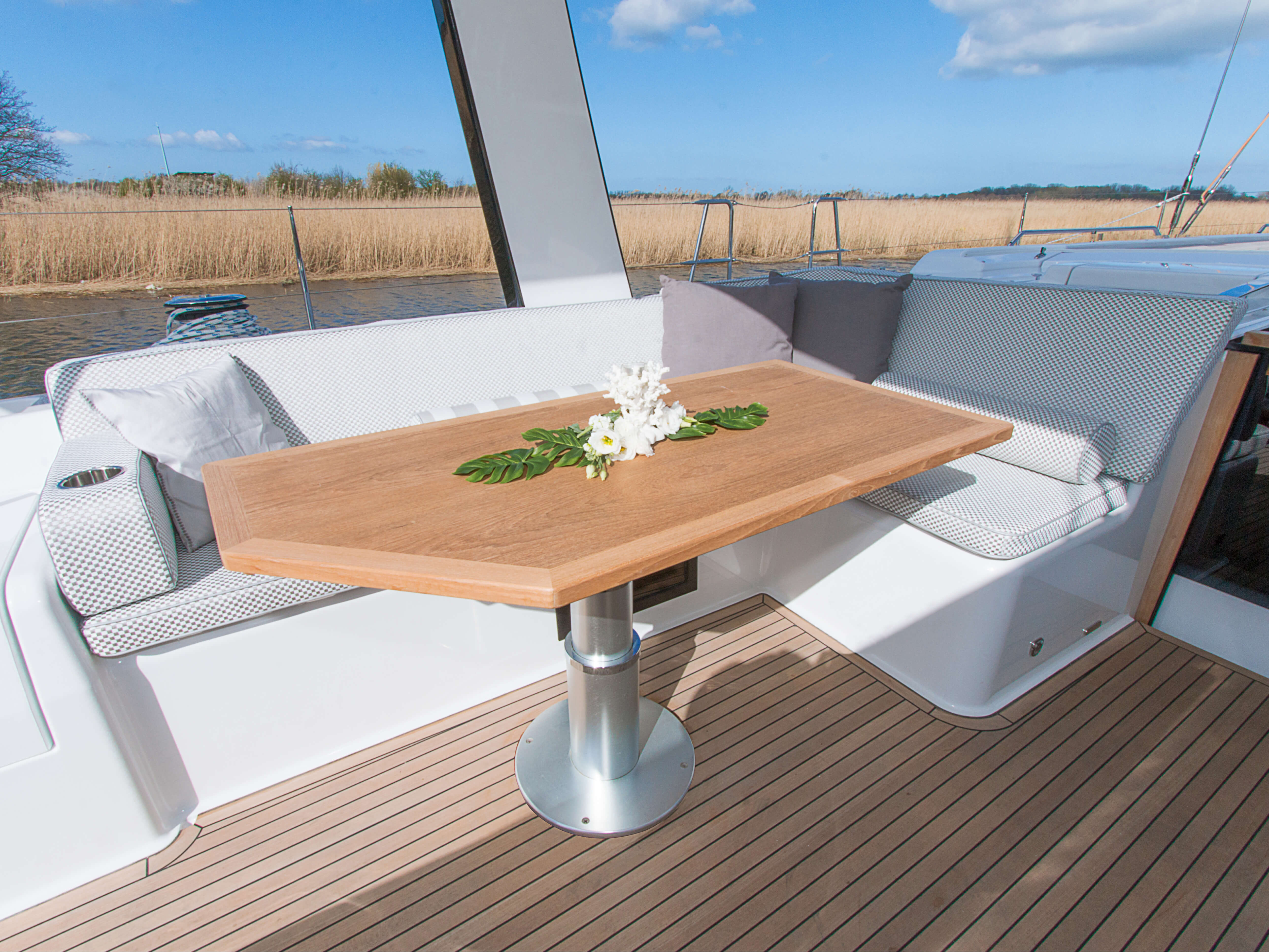 Hanse 675 | cockpit, table de cockpit | Hanse