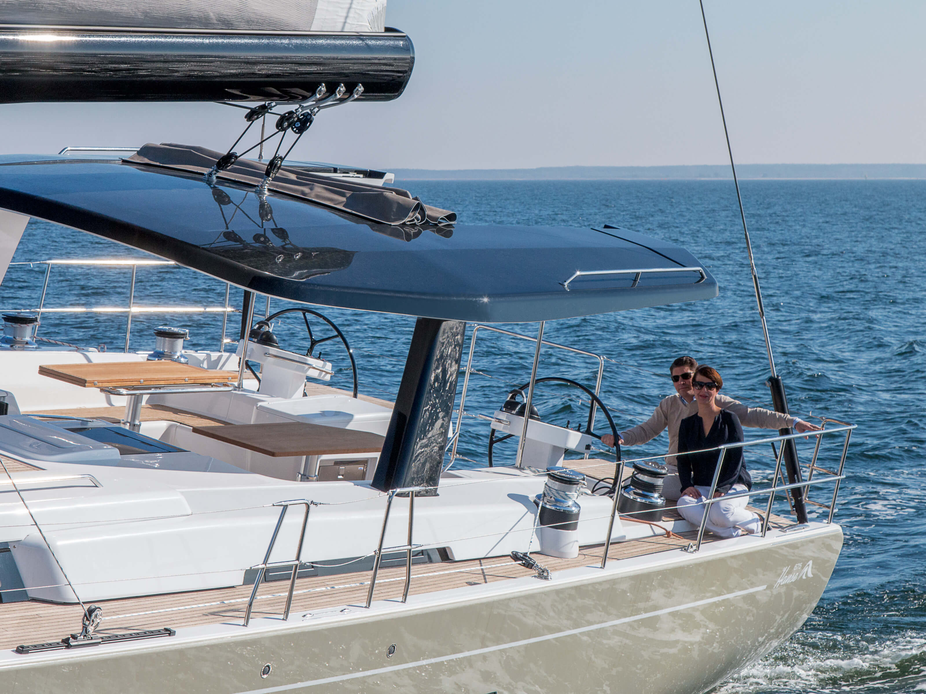 Hanse 675 | cockpit, t-top, double steering wheel | Hanse