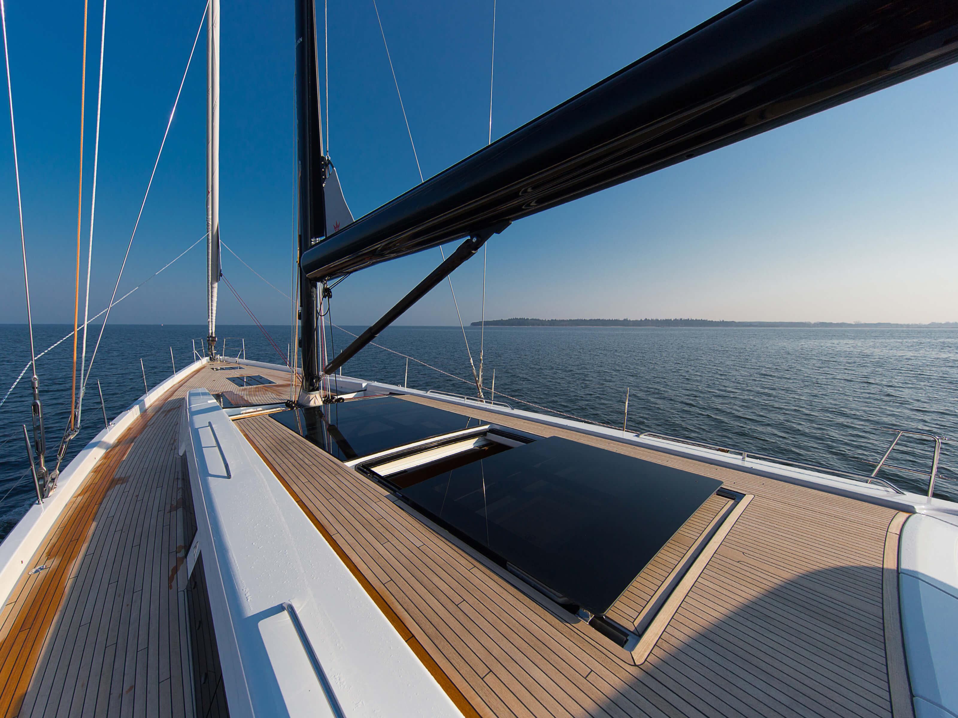 Hanse 675 | teak deck, boom, deck hatches | Hanse