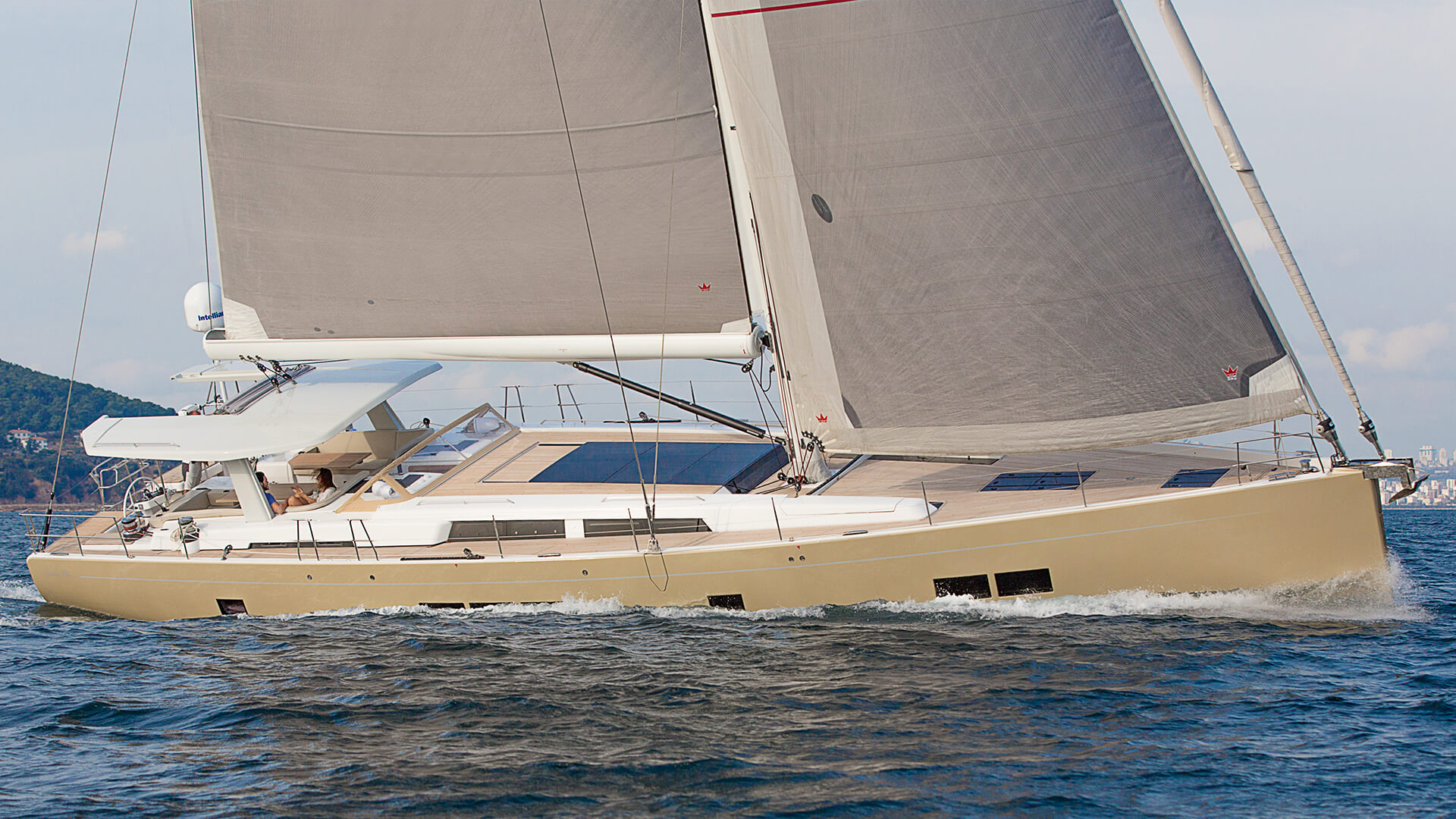 Hanse 675 | LUXURY CUSTOMIZED TO THE MAX | Hanse