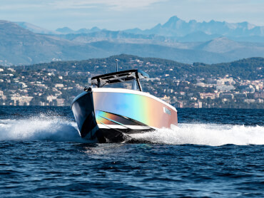 FJORD 38 xpress exterior | The hull and waterline can be painted in a great variety of colours. | Fjord