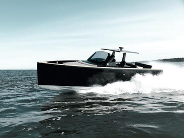 FJORD 40 open exterior | Let everyone's body and sould get energised by the powerful driving movements. | Fjord