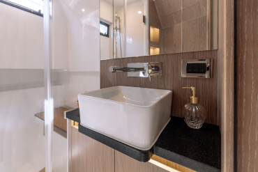 FJORD 44 coupé bathroom | Attention to detail and exceptional comfort characterise the ambience in the bathroom. | Fjord
