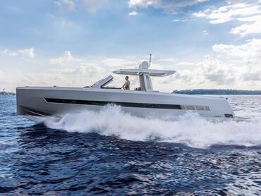 FJORD 52 open exterior | Es el barco a motor definitivo y no lo oculta. | Fjord