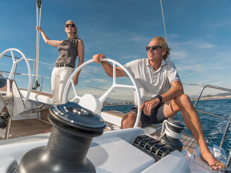 Hanse 418 cockpit | All the halyards lead to the helmsman. This gives you absolute control in all sailing manoeuvres. | Hanse