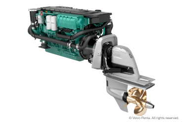 Volvo Penta D6-400 (400 hp), Duoprop stern drive (single engine) with propeller G2