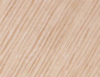 Fußboden innen mit Antirutsch-Beschichtung, Salonbank und Handläufe in Holz (Oak)