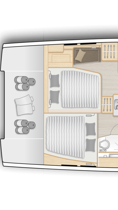 """E2: 2 aft cabins with VIP cabin on port incl. """"Queen size"""" bed and guest cabin on stb with double berth, storage space and separate head"""