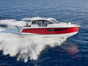 Sealine C330v exterior   From the hull shape to the engine, we have pulled out all the stops to ensure you will experience exhilarating moments at sea.   Sealine