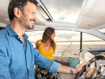 Sealine C330v helm   With the helm station right in the saloon, you will never be without company.   Sealine
