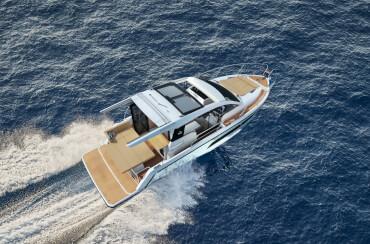 Sealine C335 exterior   The voluminous superstructure promises a joyful cruise on every seamile travelled.   Sealine