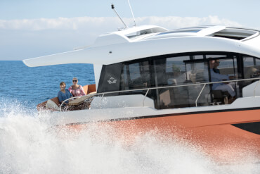 Sealine C430 exterior | While your eyes wander outside, the sunshine always finds its way in. | Sealine