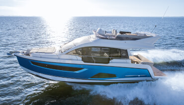 Sealine F430 exterior | The F430 is a Sealine through and through - crowned with a captivating flybridge. | Sealine