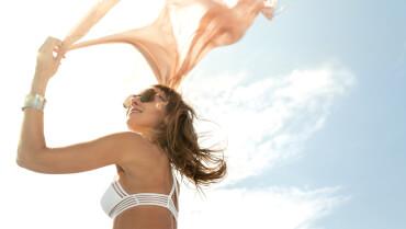 Sealine F430 deck | The perfect spot to enjoy sun and wind. | Sealine