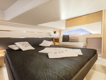 Sealine F430 owner's cabin | The F430 is the first yacht of its class to offer three comprehensively equipped and luxuriously fitted double cabins on request. | Sealine