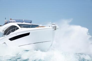 Sealine F530 внешний вид | Для Ваших путешествий нет ограничений - если Вы на яхте Sealine F530. | Sealine