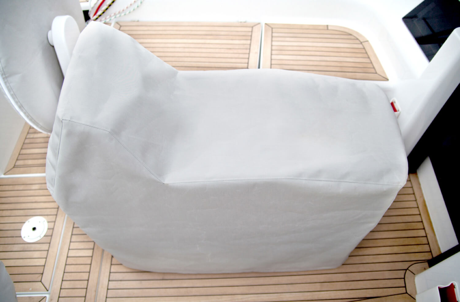 Hanse_Cockpit-Table-Cover.jpg