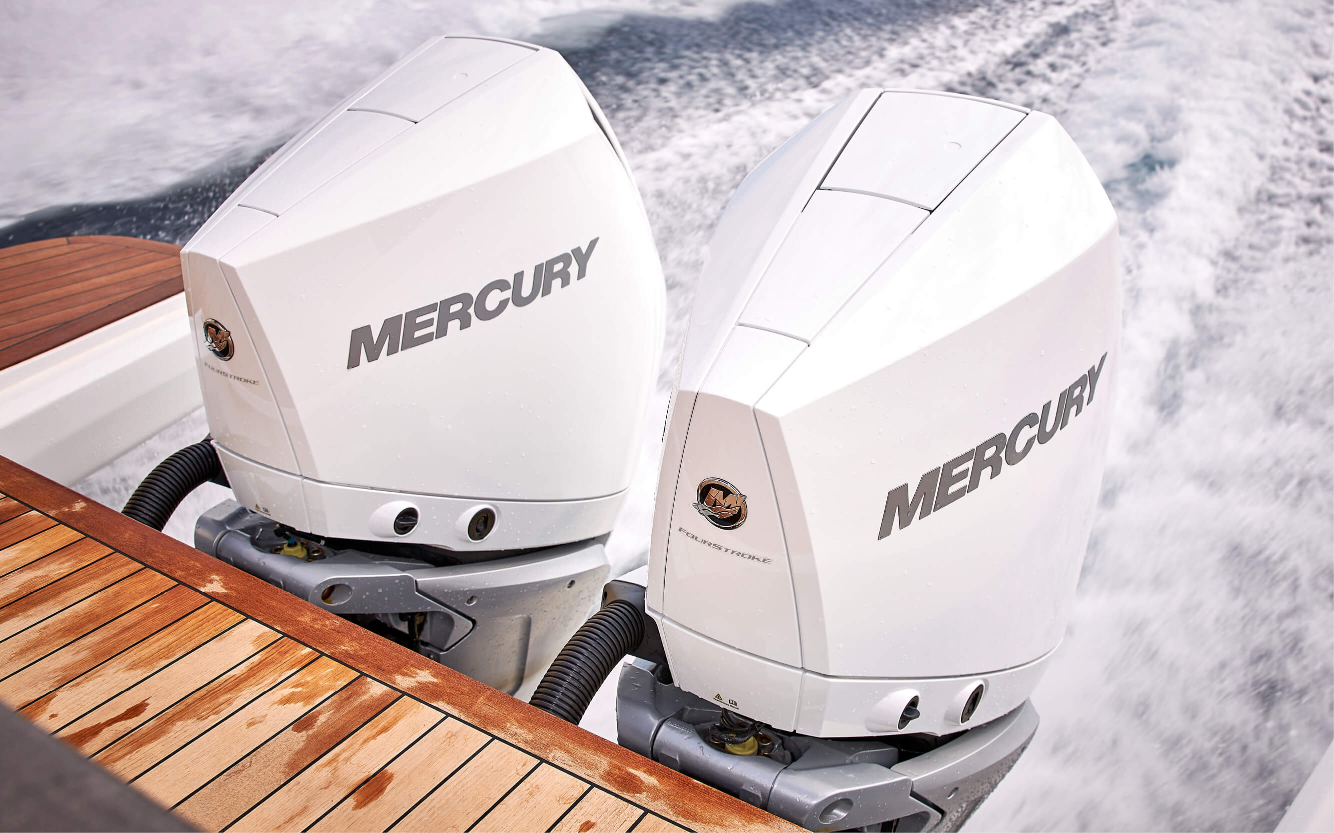 "2 Mercury Verado V8 300 hp white color with rigging, 4"" digital engine indicator, propeller and tilt steering system with engine active trim system. Joystick for engines, incl. autopilot and SKYHOOK virtual anchoring"
