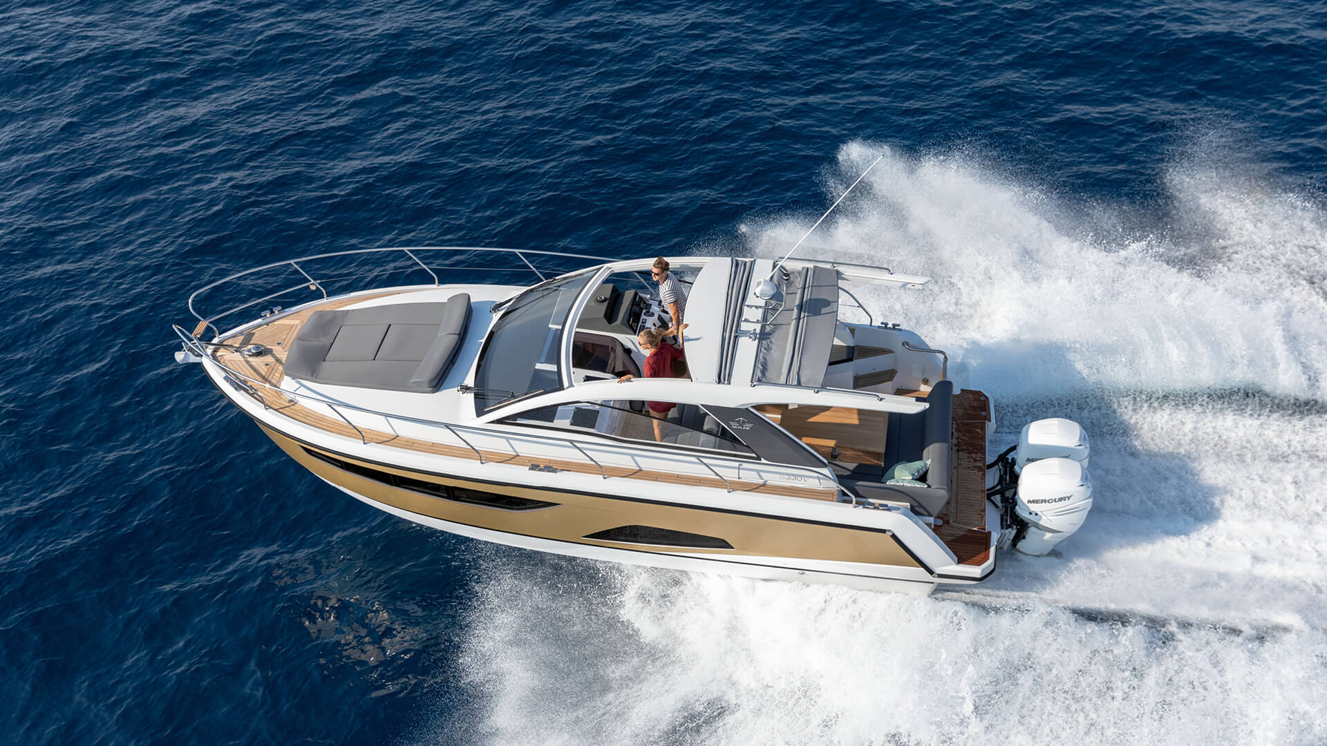 Sealine_S330v_LaunchMotiv.jpg | Sealine