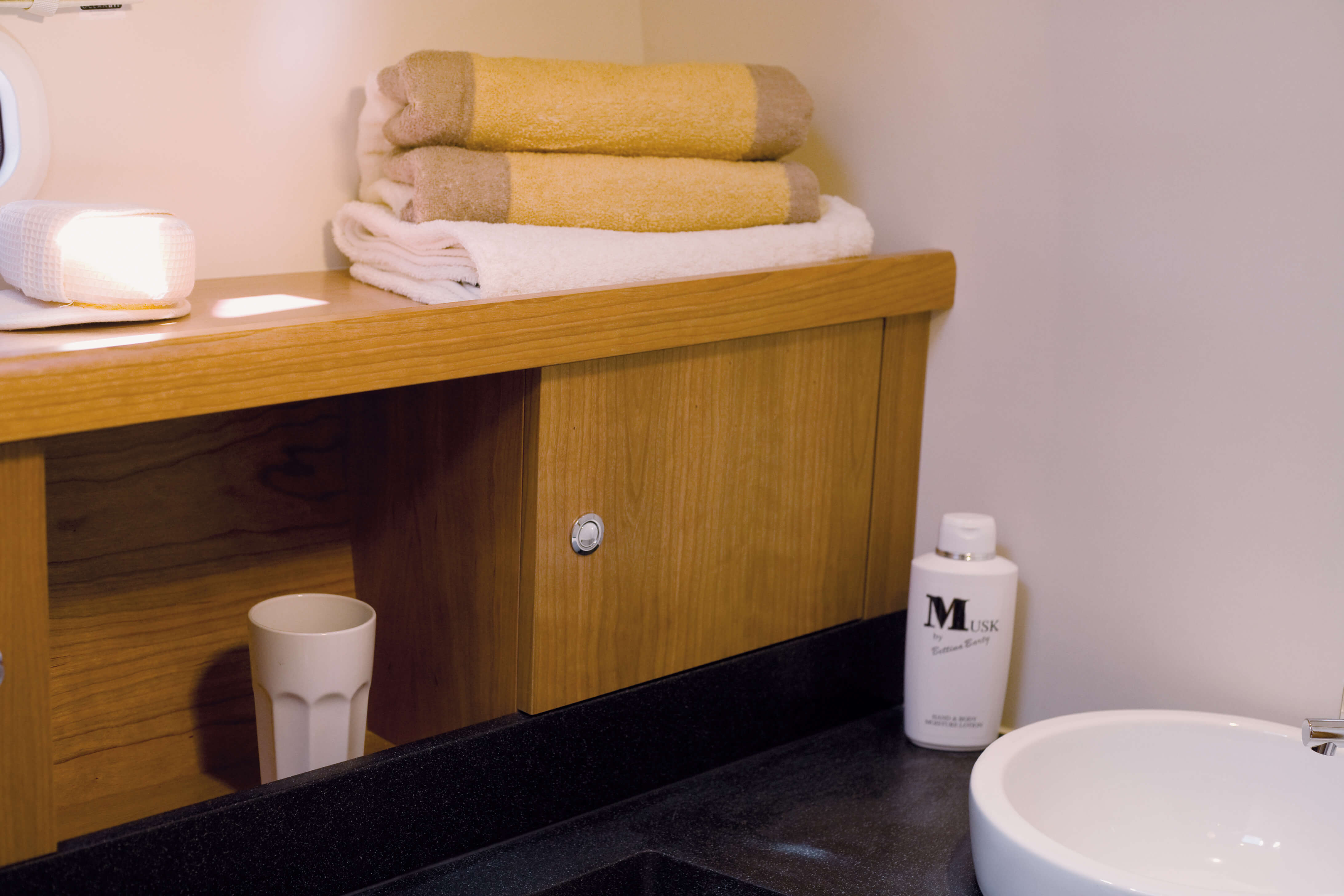 Moody Decksaloon 45 Interieur | Moody