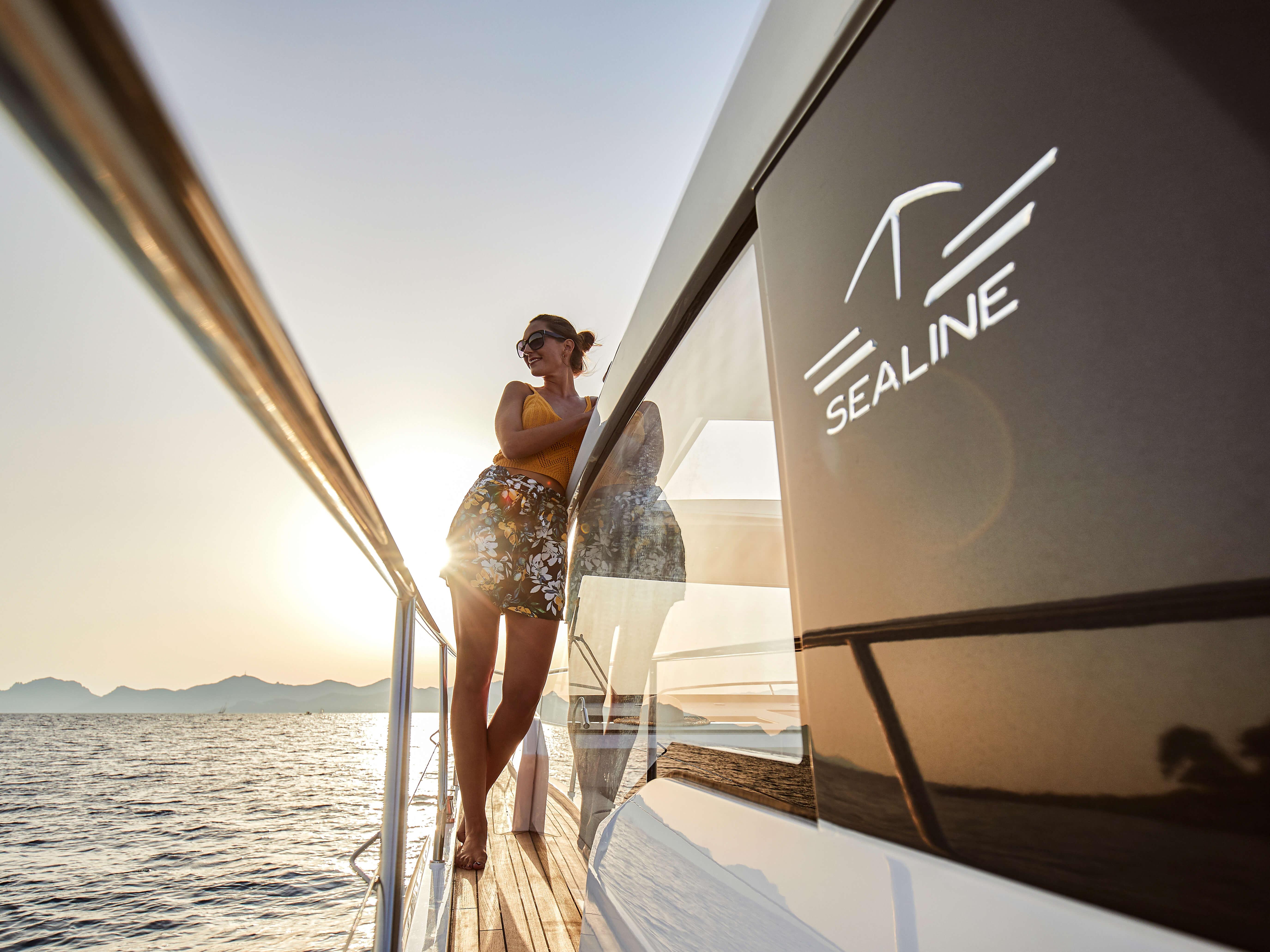 Sealine C330v | Sealine