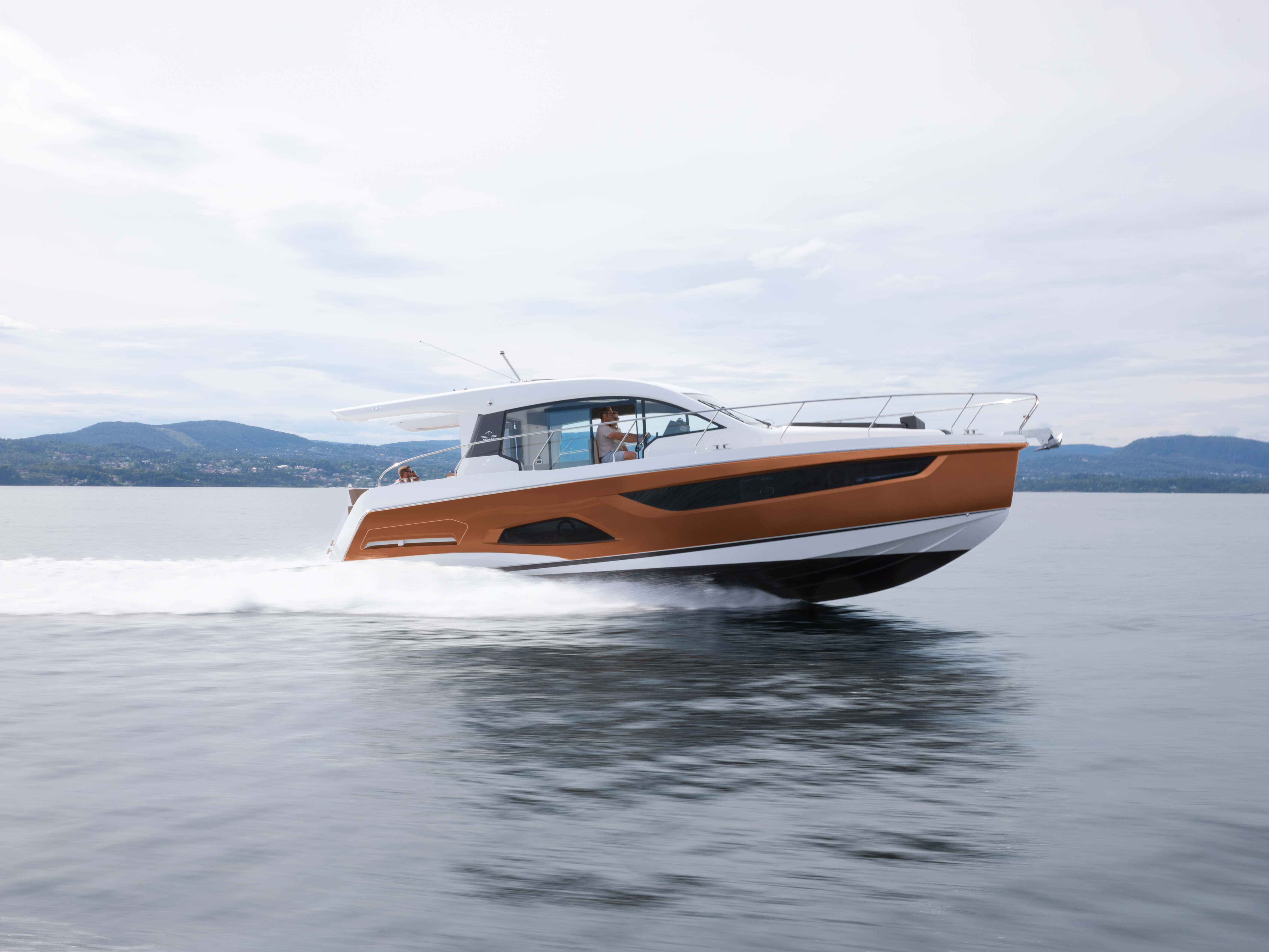 Sealine C390 exterior | Every curve, line and surface is designed to create the most intense motor yacht experience. | Sealine