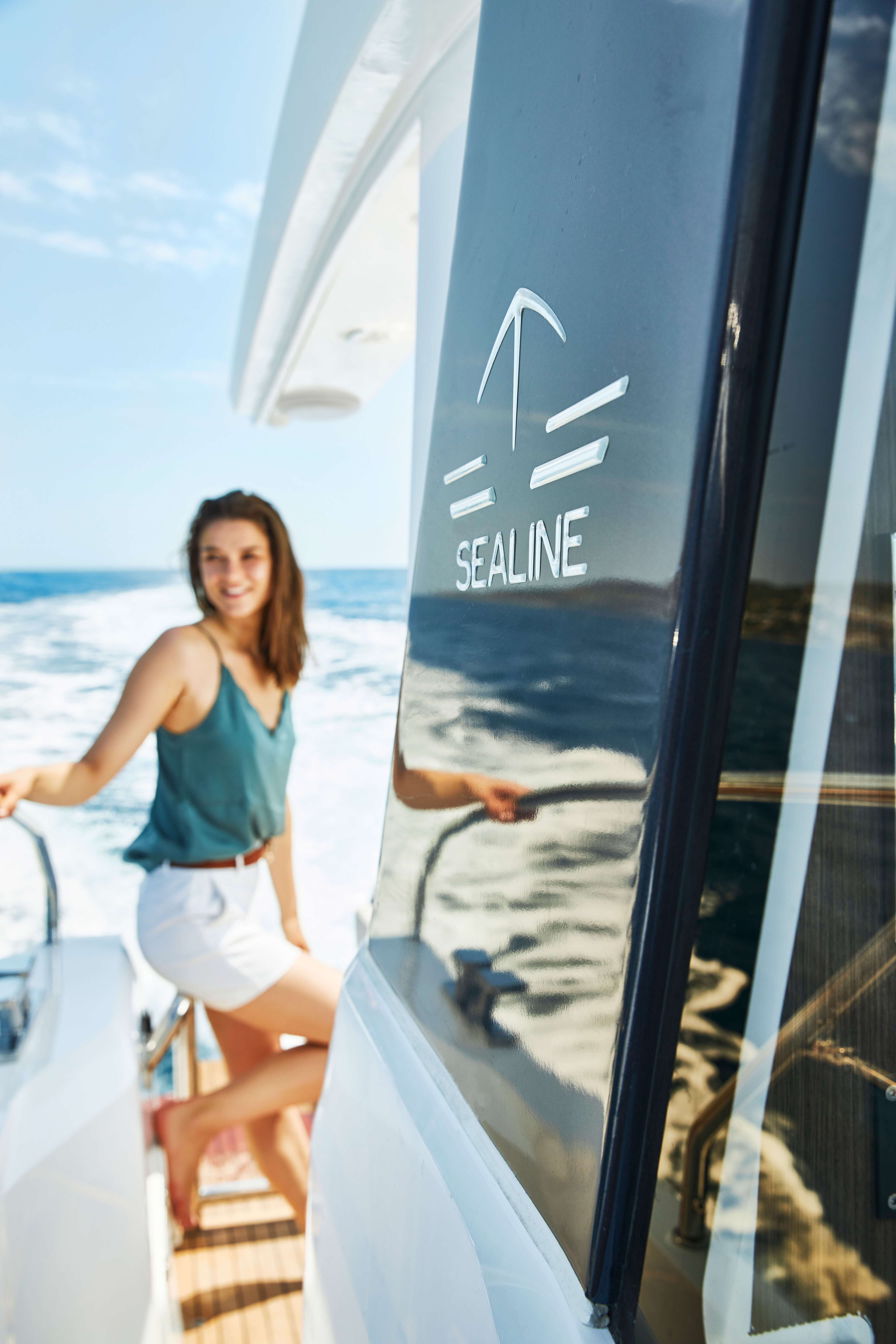 Sealine C390v deck | Deck detail | Sealine