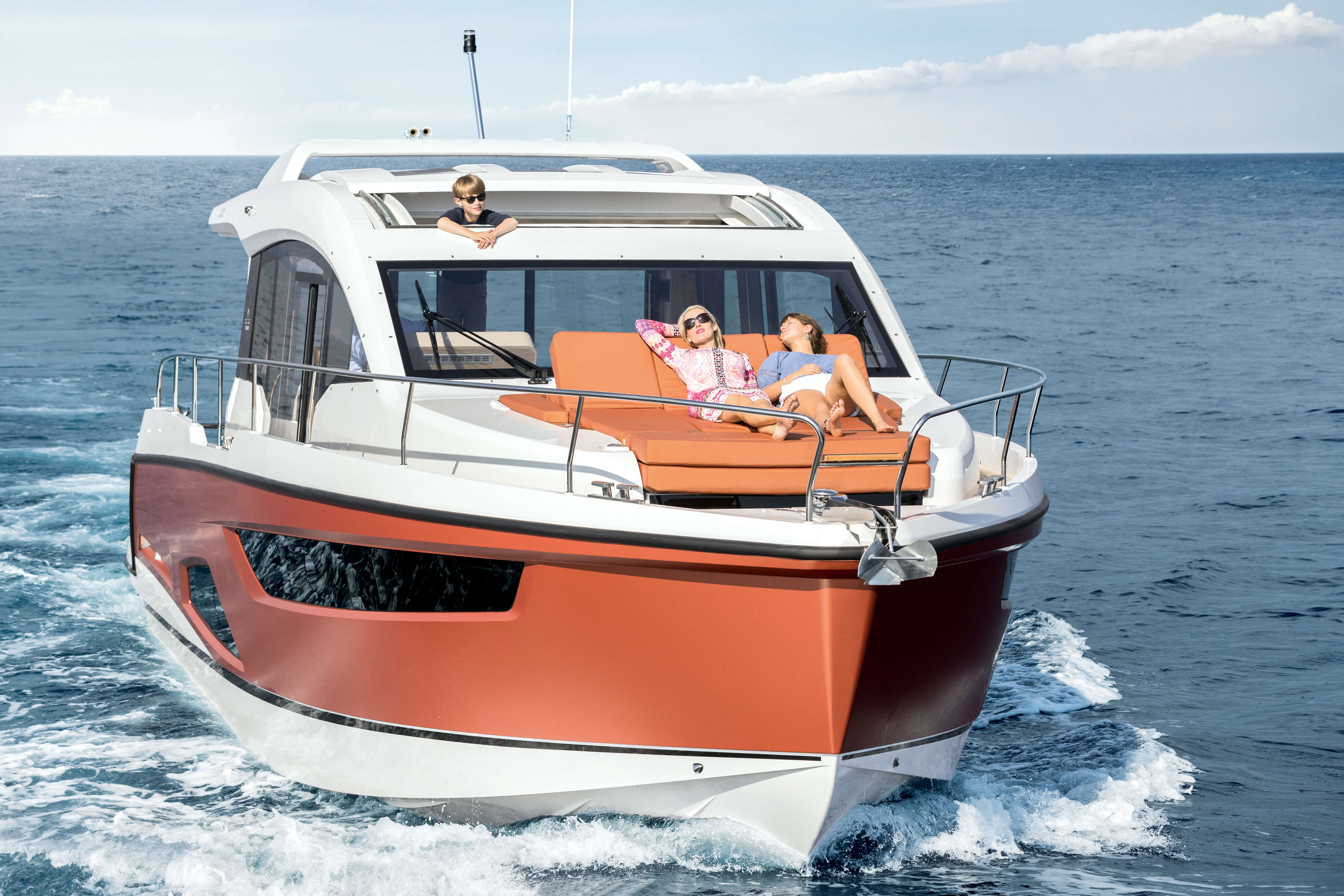 Sealine C430 deck | On the Sealine C430, you are spoilt for choice how and where to spend every precious moment. | Sealine