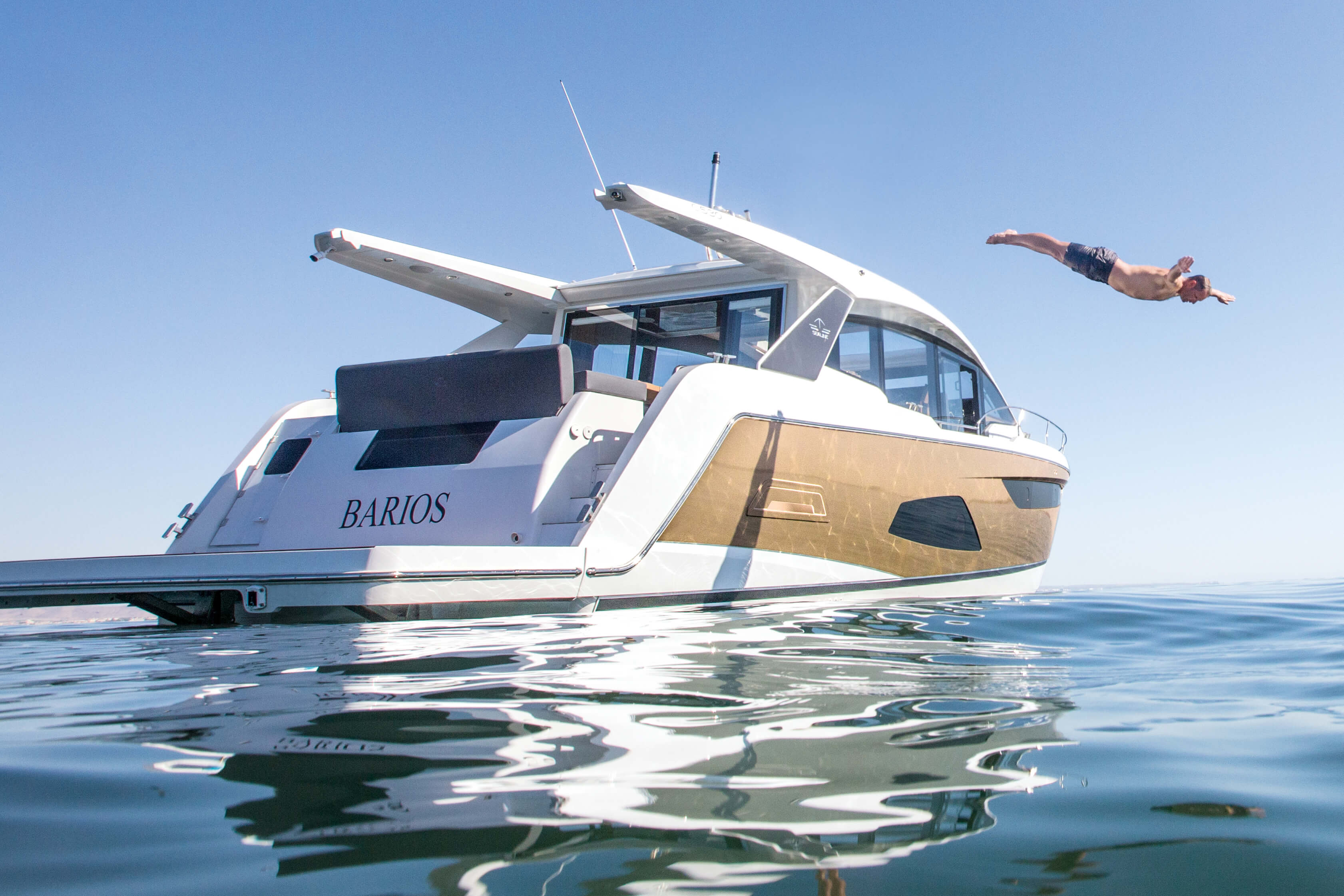 Sealine C530 | FOLLOW THE C-DUCER THE NEW C530 | Sealine