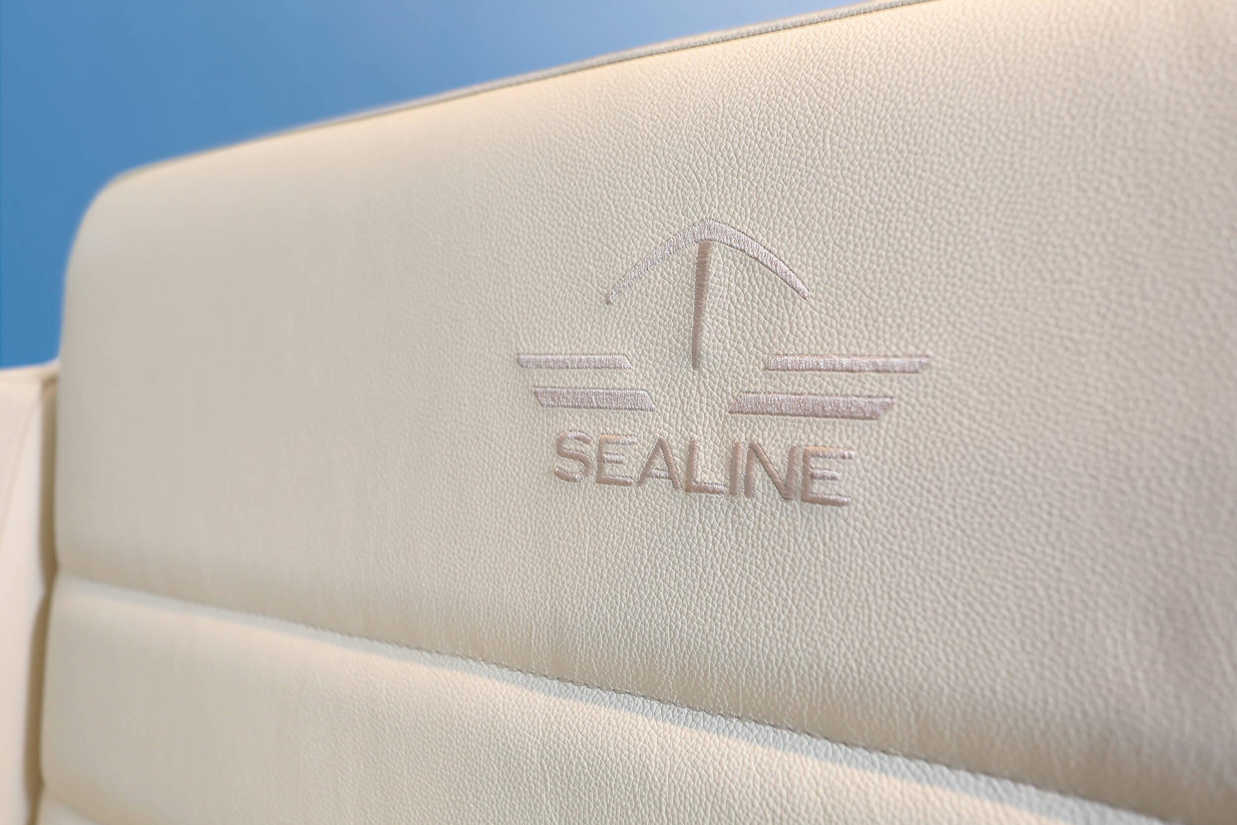Sealine F430 Iç mekan görünümü | pilot copilot seats | Sealine