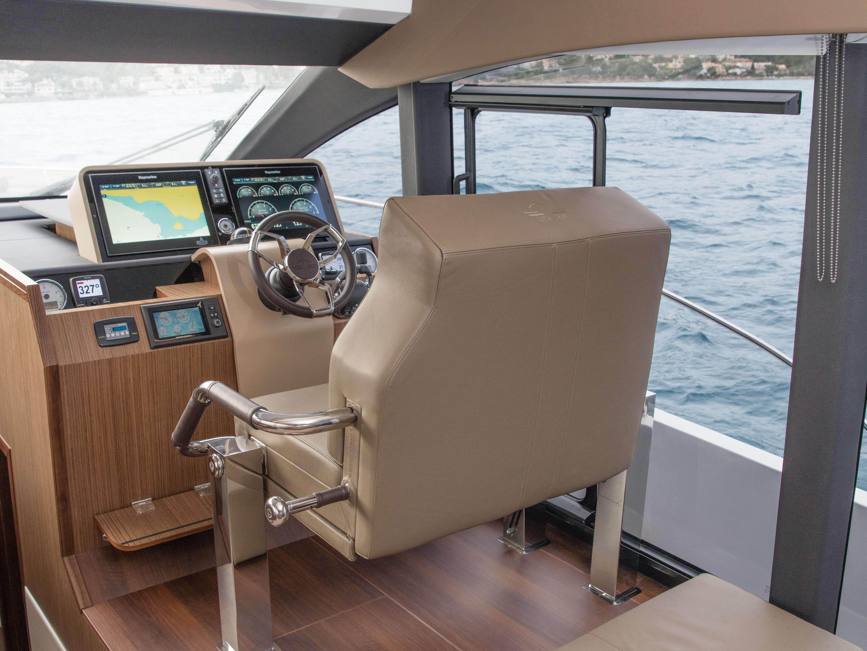 Sealine F530 Interior | Sealine