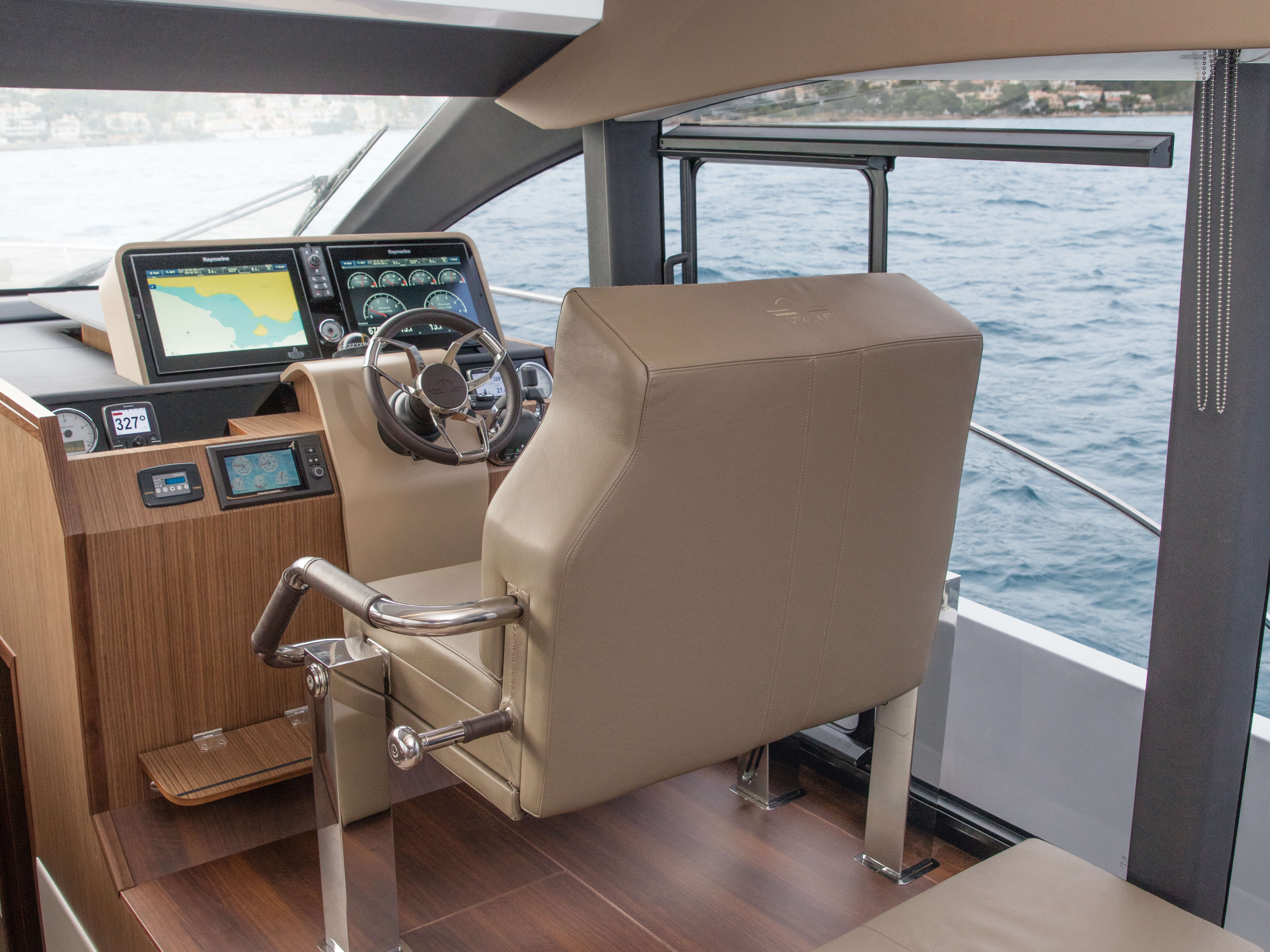 Sealine F530 Interior | Sealine_F530_Interior_05_salon_041.jpg | Sealine