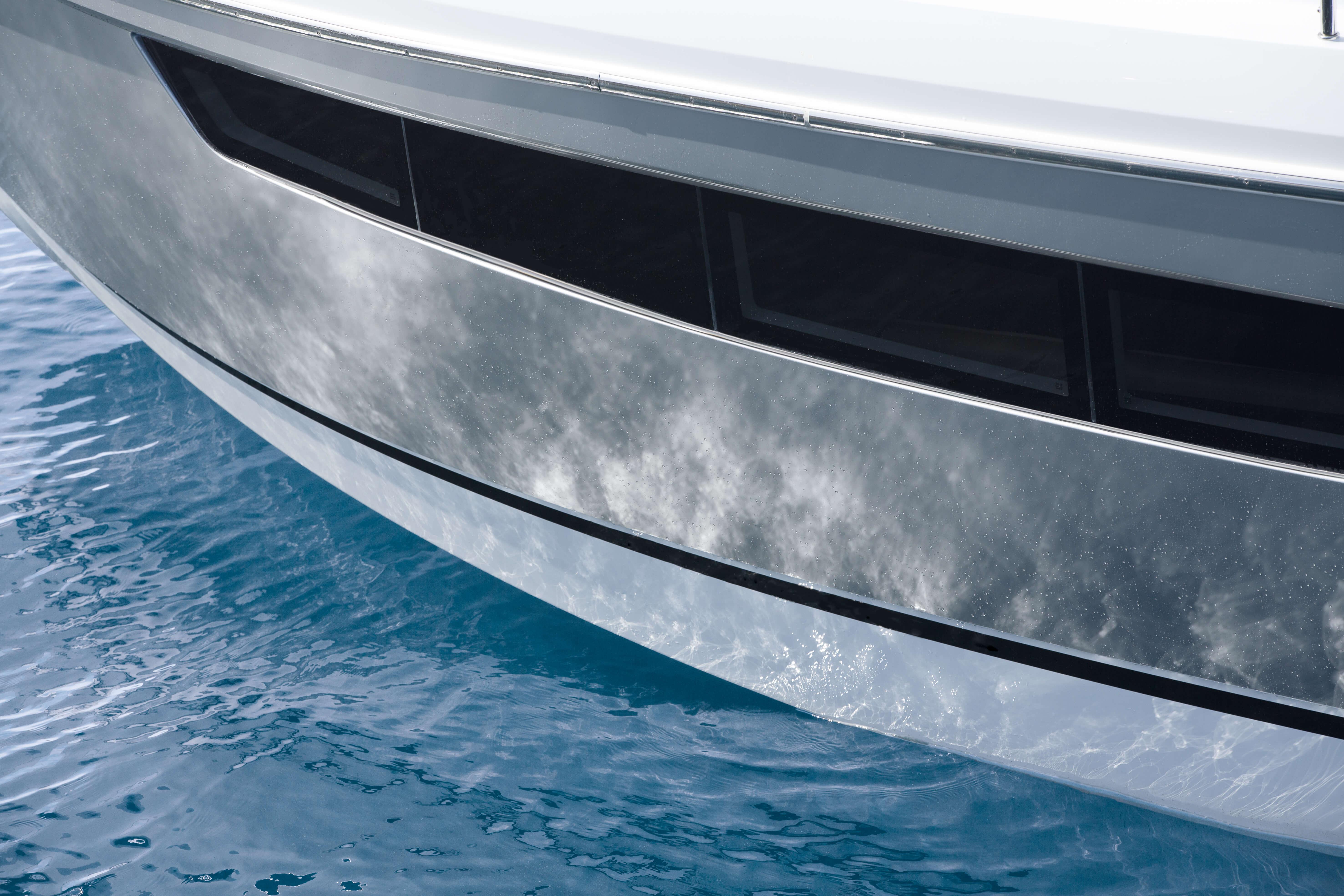 Exterior at anchor | hull, windows | Sealine