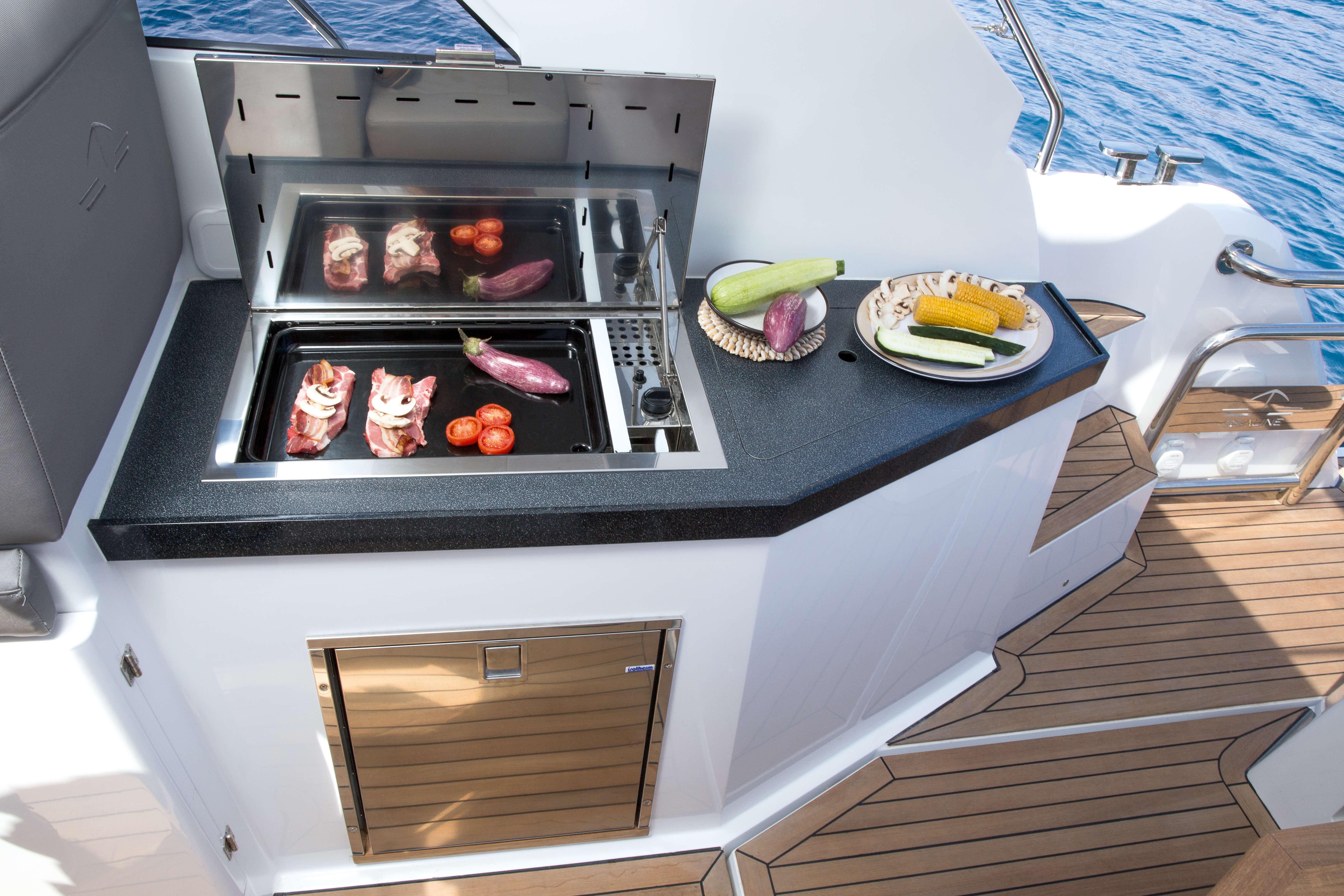 Exterior at anchor | BBQ grill | Sealine