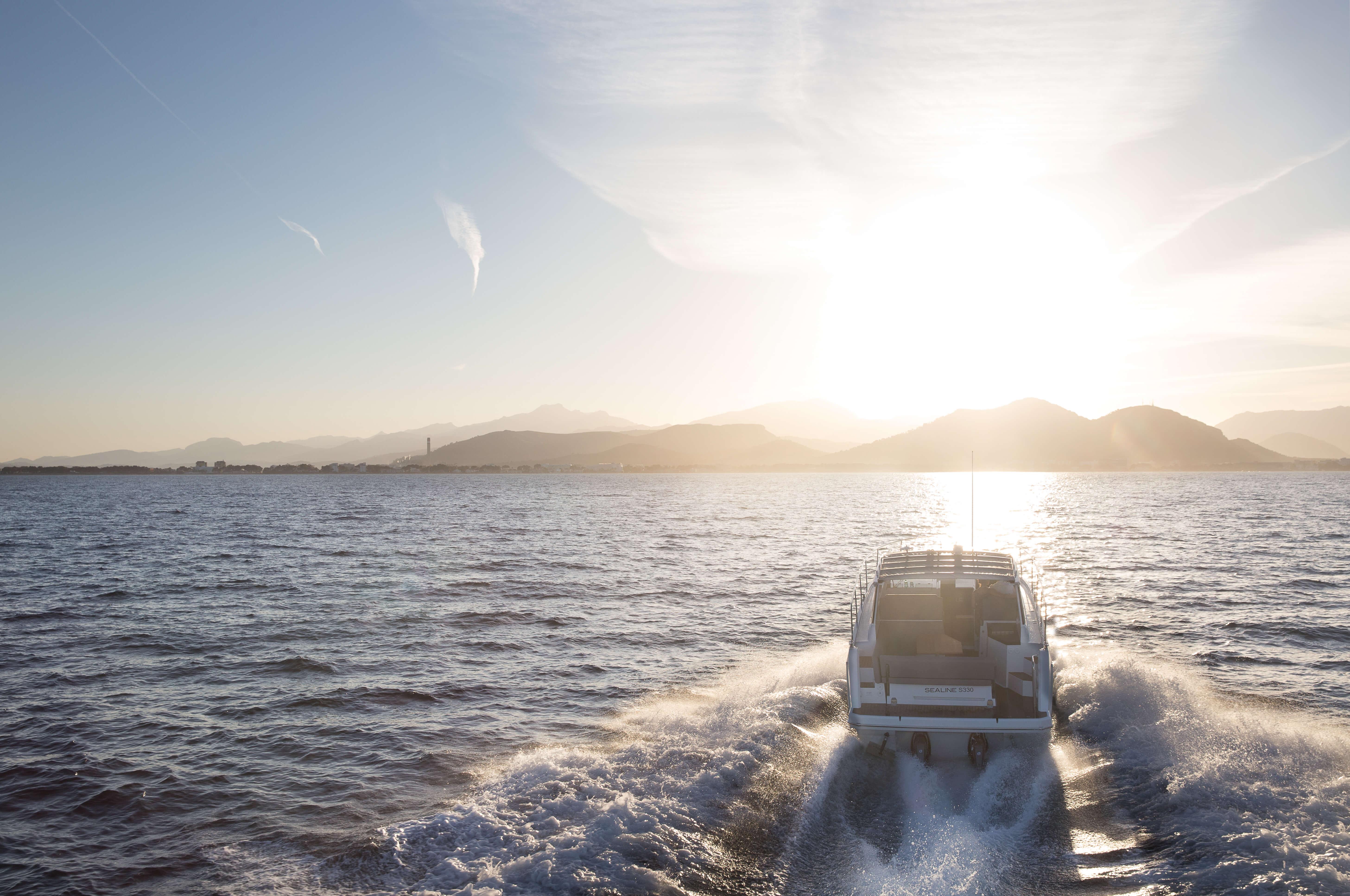Außenansicht Fahrt | Heck, Badeplattform | Sealine