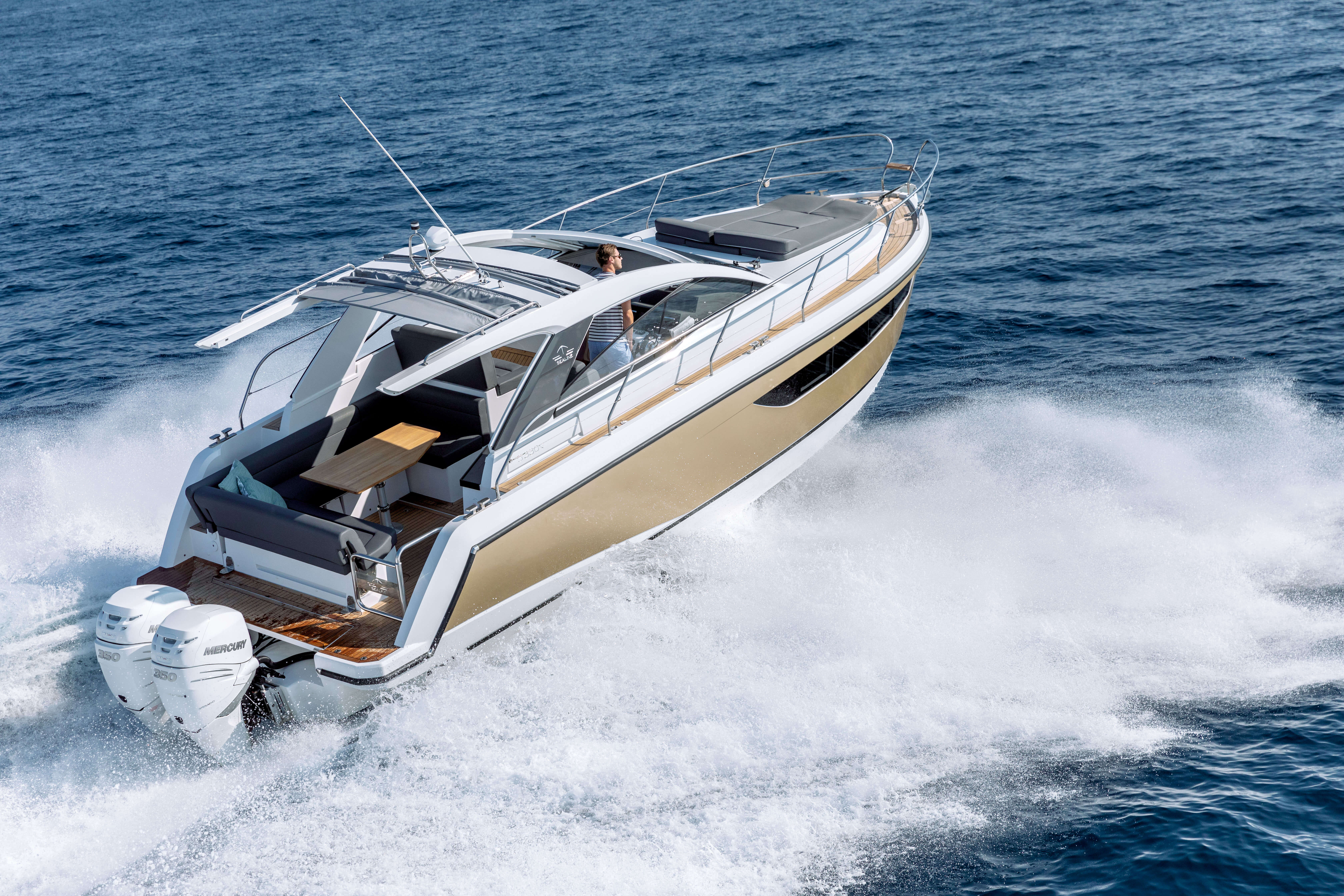 Sealine S330v exterior | In addition to the sunbed at the bow the rear settee can be transformed into a comfortable lounge. | Sealine